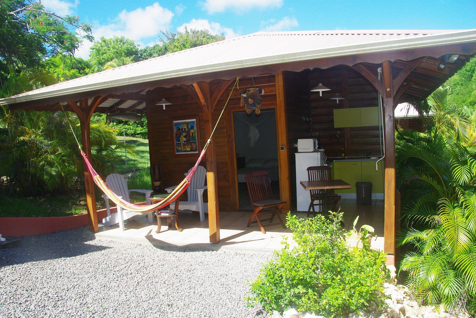 2-Vue-densemble-Exterieur-bungalow2